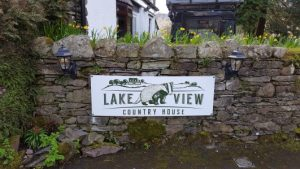 Lake View Country House sign